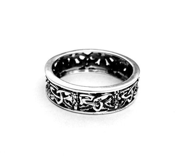 H & Y Ring: Outlander Inspired Band
