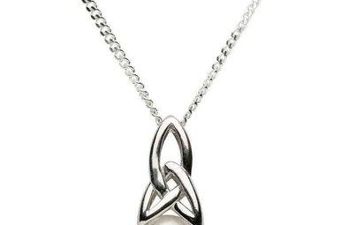 Pendant: Sil Trinity Pearl Pendant