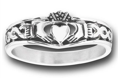 Ring: Stainless Steel Claddagh Band WE5437