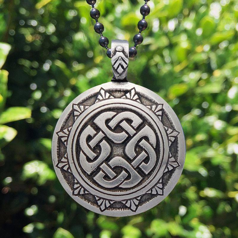 Pendant: Celtic Traditions Shield Knot Pewter
