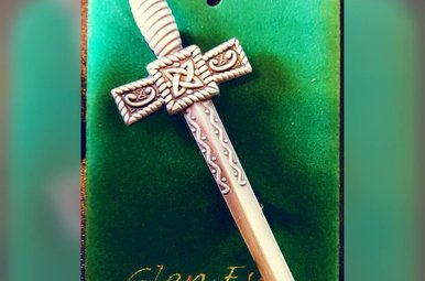 Kilt Pin: Thistle Sword