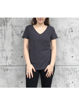 Michelle (Comune) Essential Pocket Tee