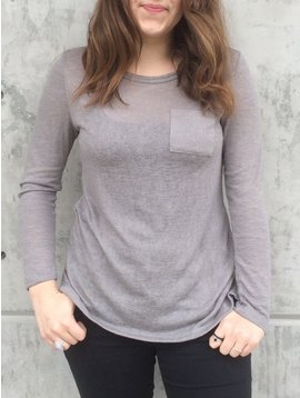 Michelle (Comune) Essential Long Sleeve Pocket Top