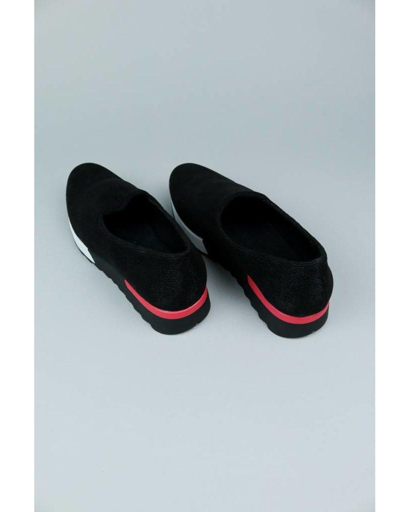 EXE Gloria Slip On Sneaker