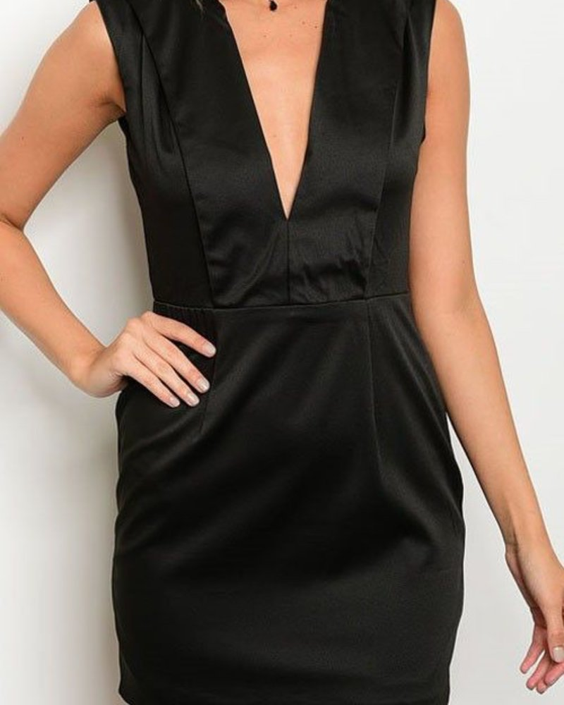 COLLARED PLUNGING NECKLINE SLEEVELESS FITTED DRESS