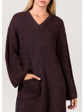 Pocketed long vneck sweater