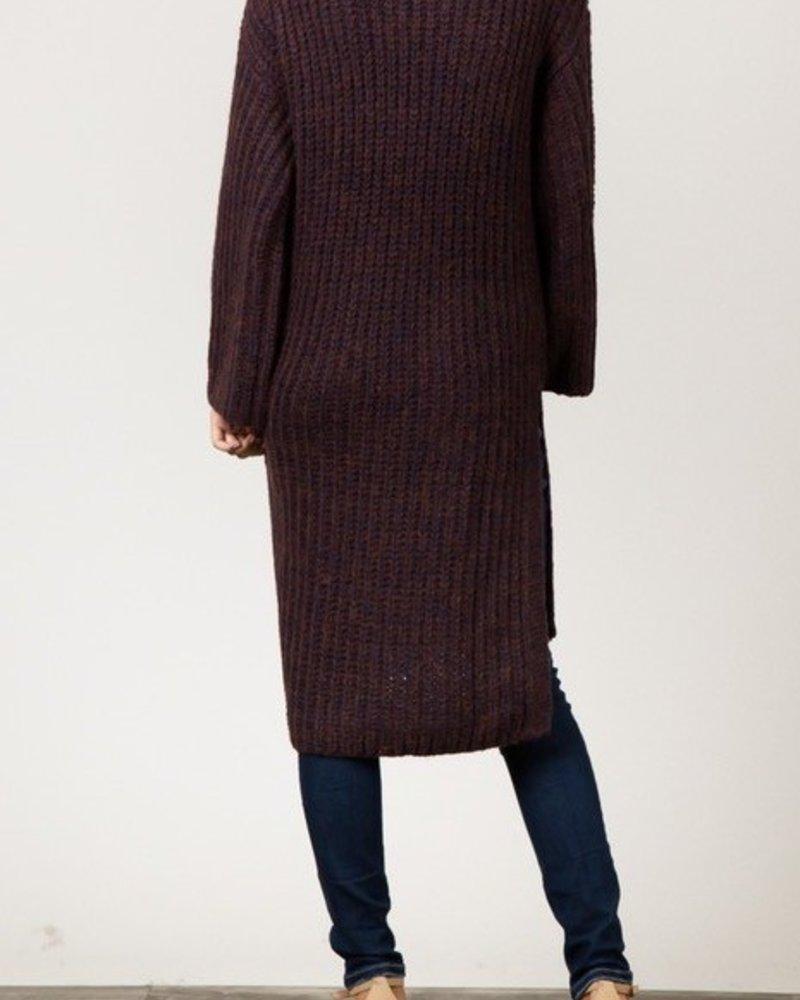 Pocketed long vneck sweater