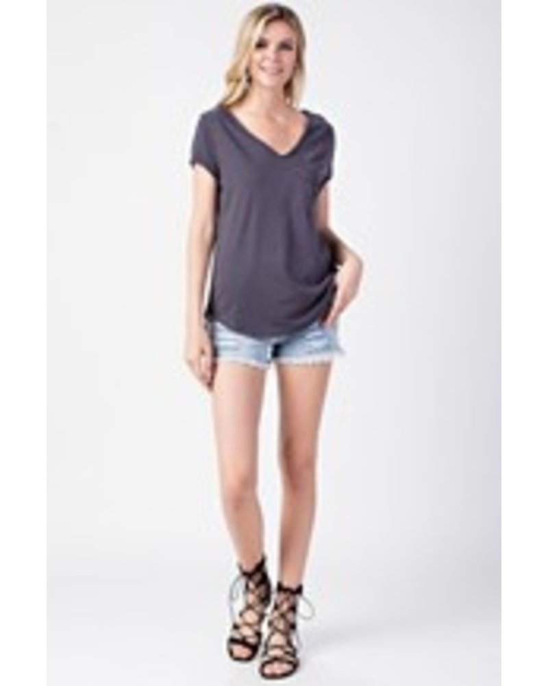 V-NECK POCKETED TOP
