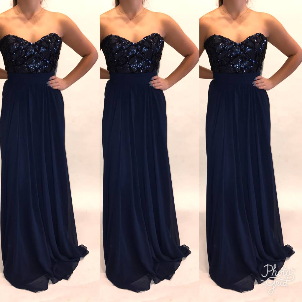 130	Size 12 Badgley Mischka Navy Tube Sequence New With Tags