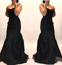 177	Size 8 Monique Lhuiller Black Bottom Ruffle Gown Worn Once