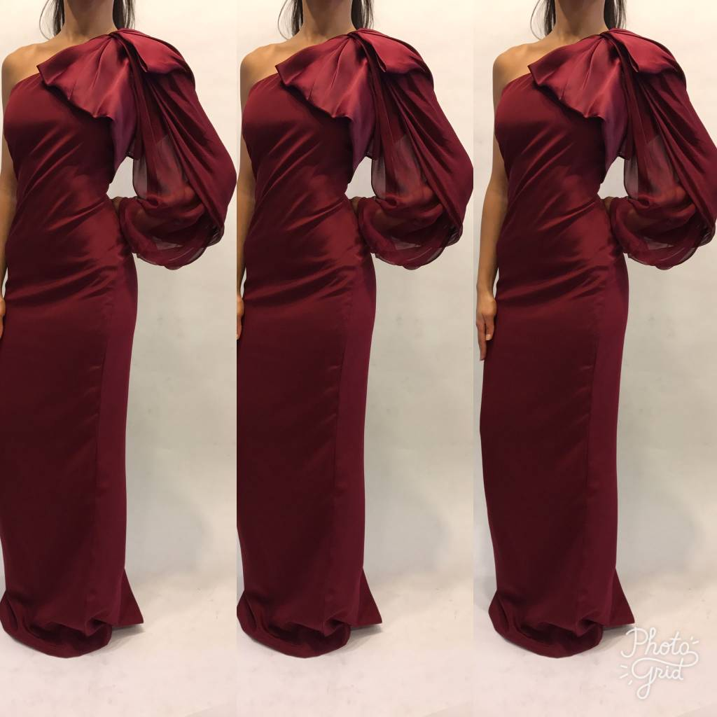 179	Size 2 Marchesa Burgundy One Shoulder Gown Worn Once