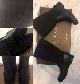 1004 Size 38	Gucci Print Rain Boot	New in Box