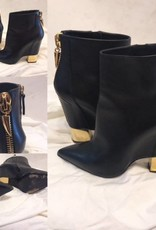 1007 Size 38.5  Guiseppe Point Toe Bootie with Gold Hardware Slight Wear