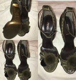 1009 Size 38 Fendi Olive Green Fur Detail Sandal