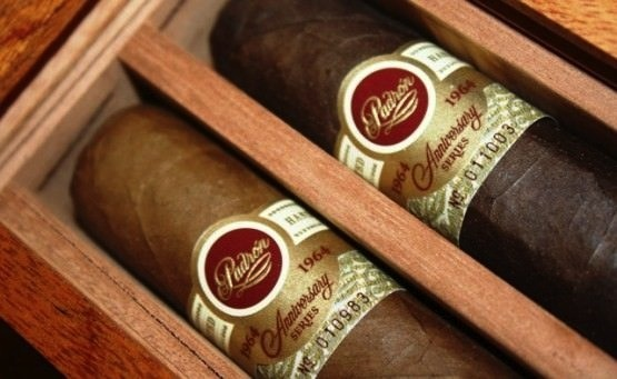 Padron | 1964 Anniversary Series | Torpedo | Natural | 6 x 52 | Box of 20