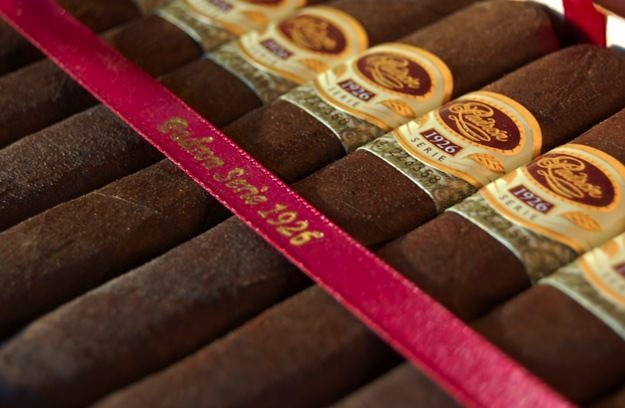 Padron | 1926 Series | No. 6 | Maduro | 4 3/4 x 50 | Box of 10