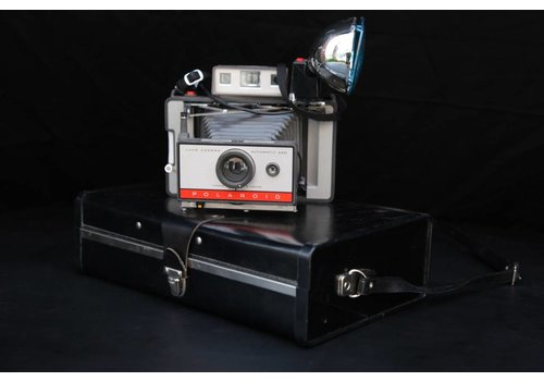 Antique Polaroid with Case, 01