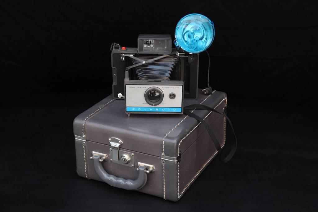 Antique Polaroid w/case 2