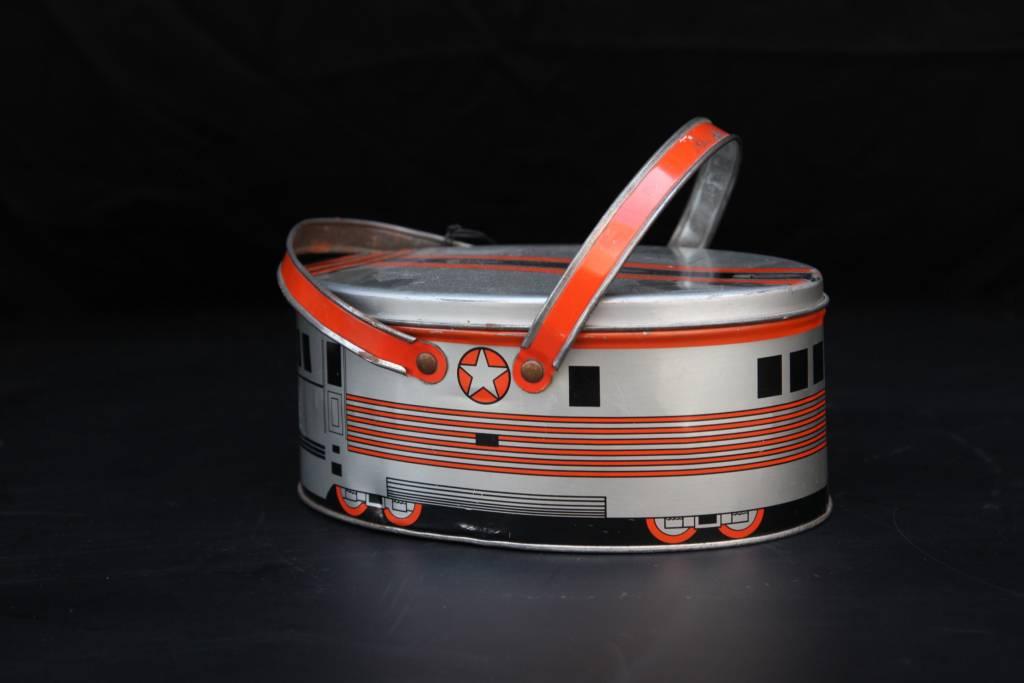 Deco Train Tin