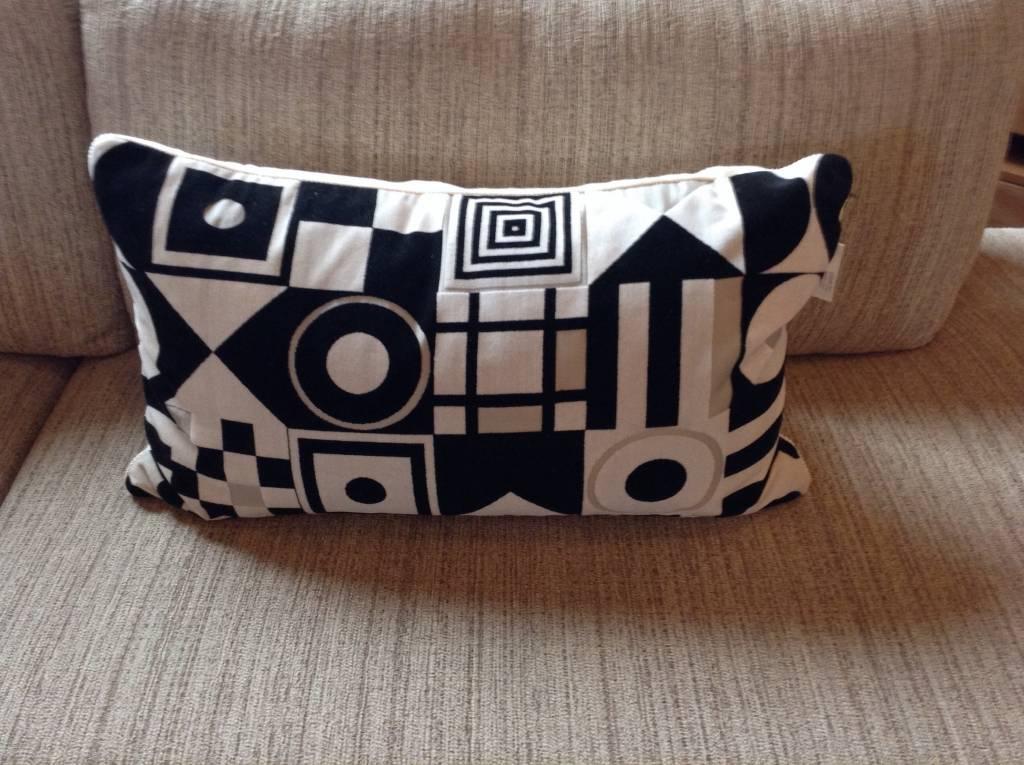 Black / Cream Geometric Velvet Rectangle Pillow
