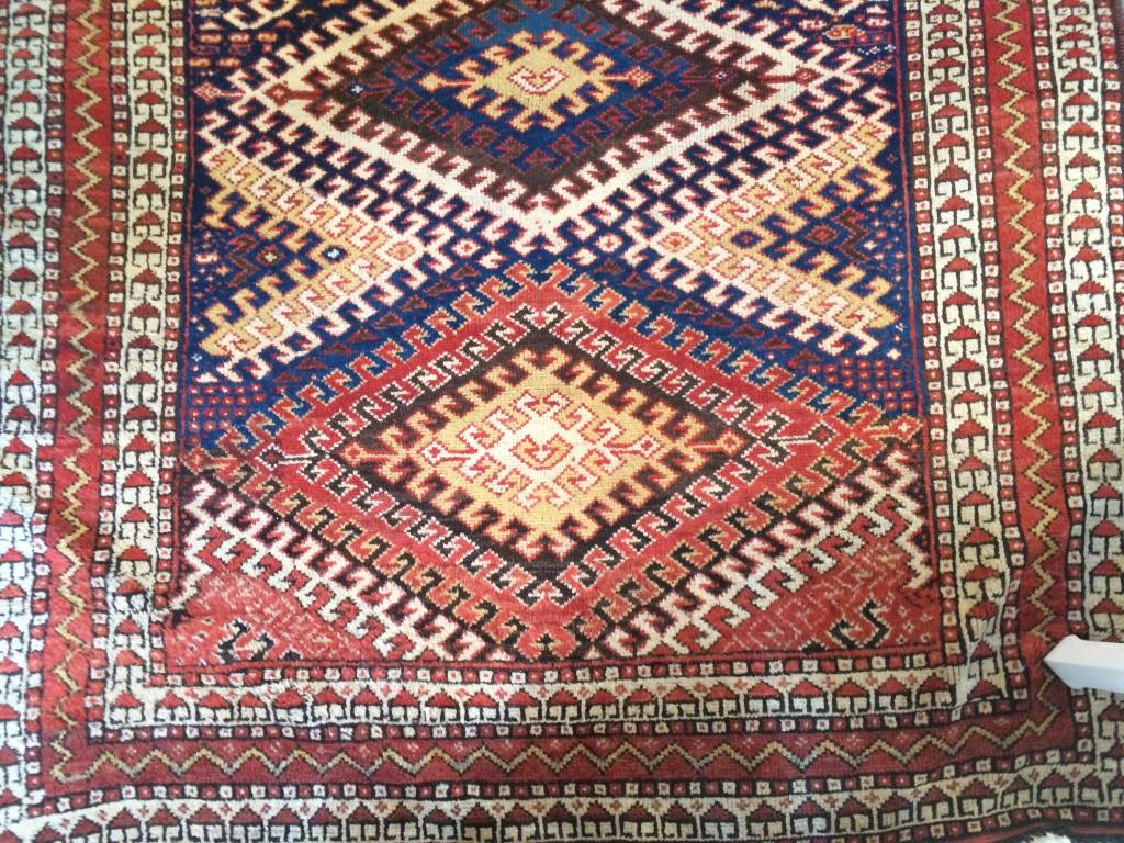 "Tan / Blue / Coral Rug 5'6"" X 7'  *CS*"