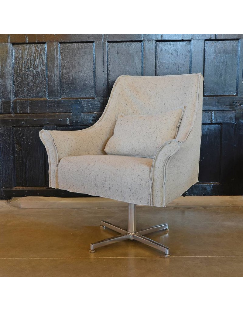 Avery Swivel Chair | Linen