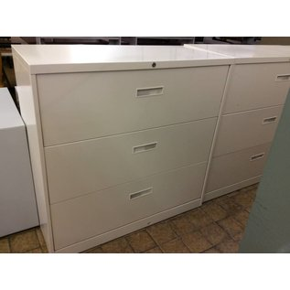 """18x42x41 1/4"""" Beige 3 drawer Lateral File"""