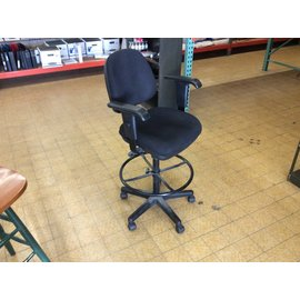 Black padded counter height chair w/arms and casters
