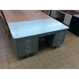 30x60 Green steelcase desk