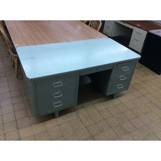 30x60 Green steelcase desk