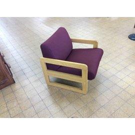 Maroon padded wood frame lounge chair