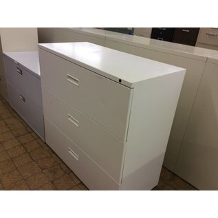 19 1/2x41 1/2x39 beige 3 drawer Lateral File