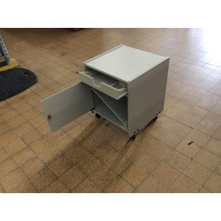 17 3/4x19x22 Printer stand on castors
