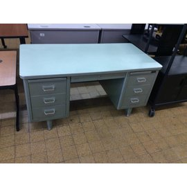 30x60x30 Green steelcase desk