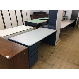 30x70x29 Blue/Gray metal steelcase desk with right return