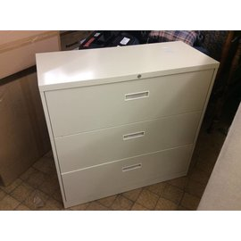 18x42x41 Beige 3 drawer lateral file cabinet