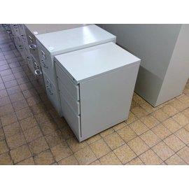 22x15x28 Tan 3 drawer filing/storage cabinet