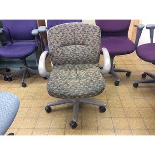 Multi color desk chair w/arms & castors