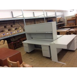 "29 7/8x72x61 1/2"" Lt. gray dbl pedestal desk w/hutch"