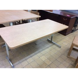 "29 1/2x59 1/2x28 1/4"" Computer Table with metal legs"