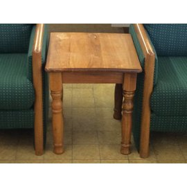 22x19x21 Wood end table