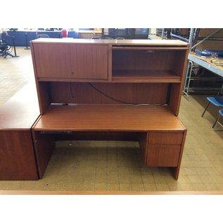 30x70x65 R Pedestal Wood Desk w/Hutch