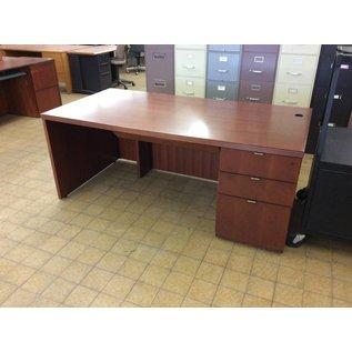 "36x72x29 1/2"" Cherry Wood R/Pedestal Desk"