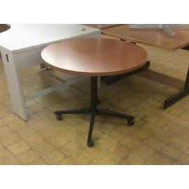 35 1/2 Wood Round Table On Castors