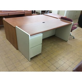 25x70x30 Wood Laminate Beige Metal Left Ped Desk