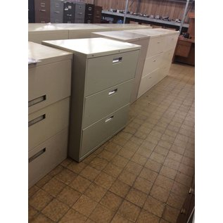 19 1/2x36x41 3 Drawer Beige metal File Cabinet