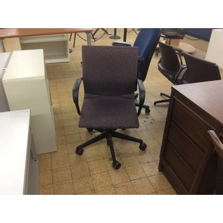 Violet Desk Chair w/ Arms and Castors