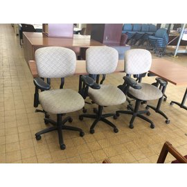Beige Patterned Desk Chair w/arms and castors (4/19/18)