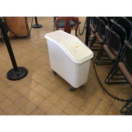 Cambro White Storage Bin w/Castors (4/23/18)