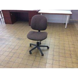 Brown Desk Chair on Castors (5/23/18)